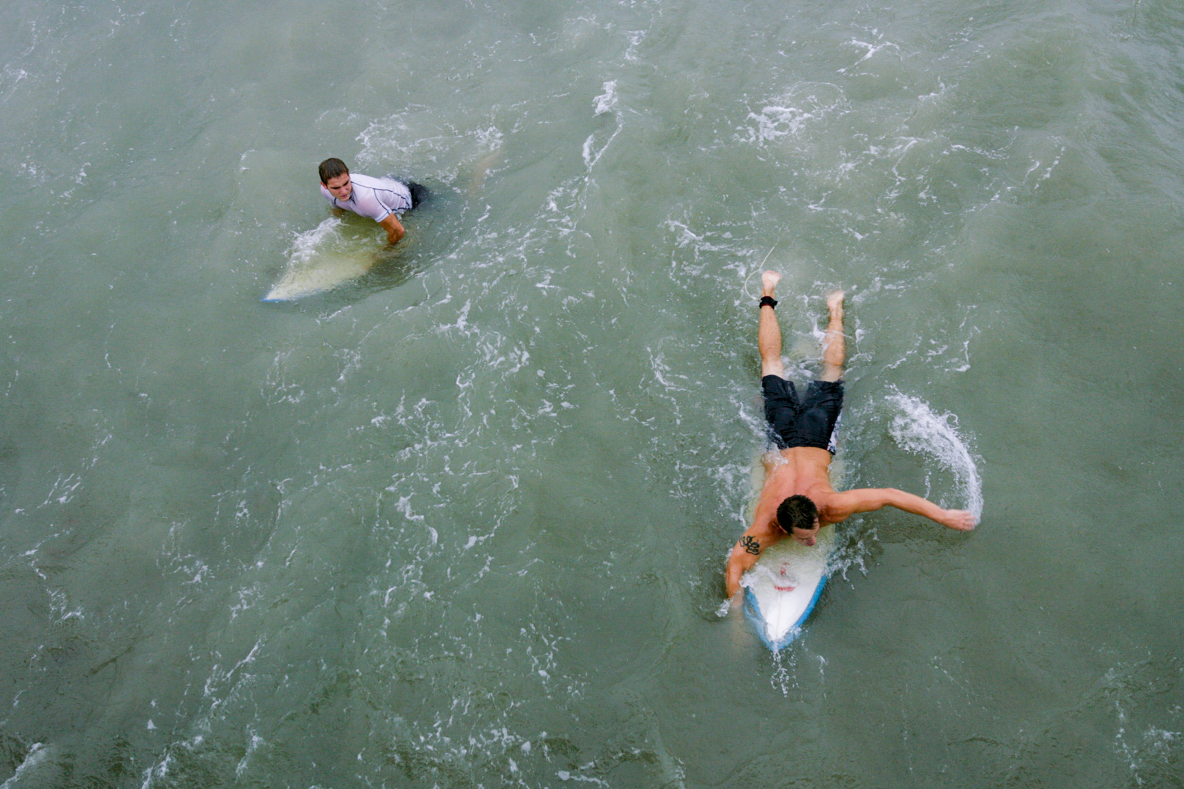 03-Active-Lifestyle-Storm-Surfers