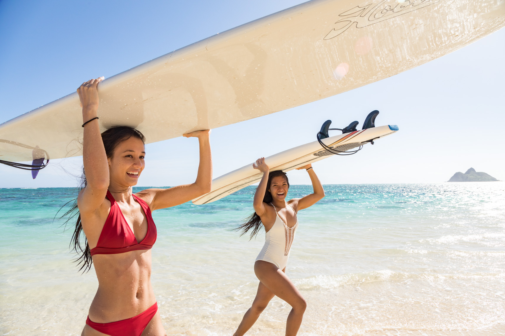 44-Active-Lifestyle-Surfing-Sisters